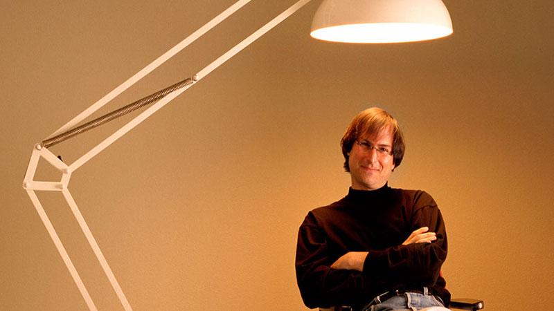 Yazılım Bilgisi Olmayan İnsanların Steve Jobs'a Çamur Atması